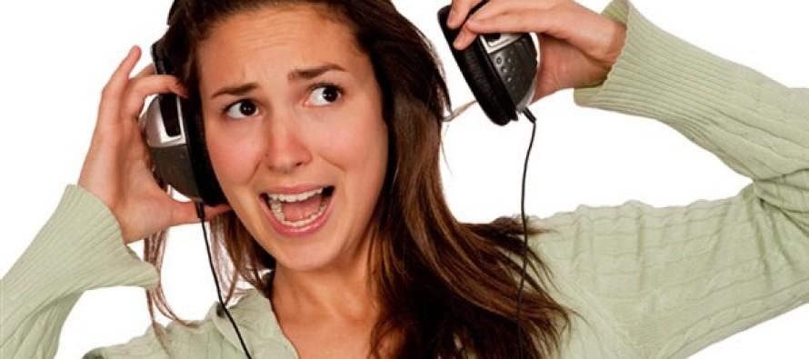 Proibido ouvir música sem fones no transporte público